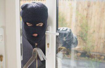 Soovitused enne suvepuhkusele minekut — kuidas kindlustada oma kodu turvalisus.